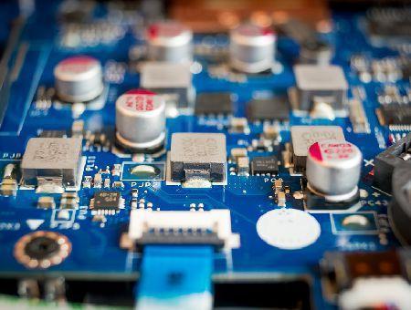 Schichtdickenmessung auf elektronischen Komponenten